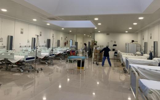 El centro vuelve a instalar 22 camas en la antigua cafetería de personal