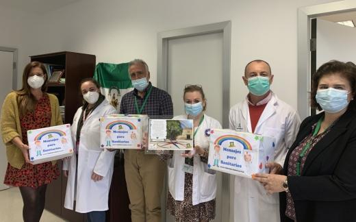 Profesionales del Hospital Virgen de la Victoria reciben 430 mensajes de ánimo