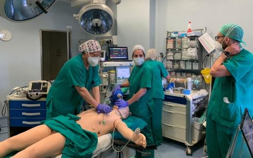Profesionales del área Quirúrgica del Hospital Virgen de la Victoria