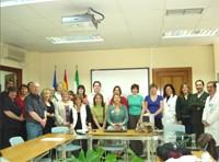 El grupo de profesores británicos durante la recepción en la Sala de Juntas