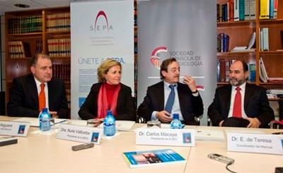 Dr. Noguerol, Dra. Vallcorba, Dr. Macaya y Dr. de Teresa