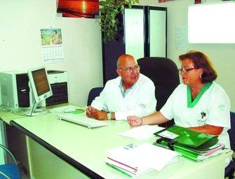 Manuel Molina y Rosa García, integrantes de la Unidad de Mamas del Clínico