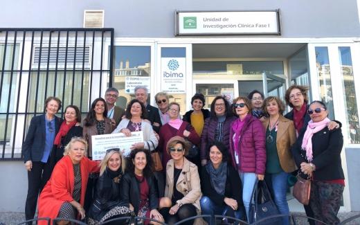 ASAMMA realiza una donación a IBIMA para potenciar la investigación