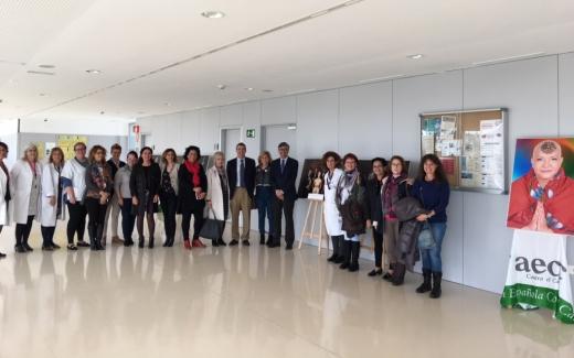 El Hospital Valle del Guadalhorce acoge la exposición 'Calvas Bellas'