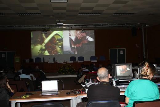Las intervenciones se siguieron en directo desde el salón de actos principal del