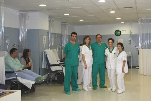 Profesionales y pacientes, en el hospital de día del Marítimo de Torremolinos