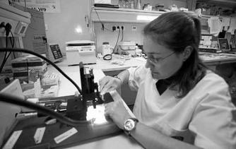 En el Hospital Carlos Haya hay un laboratorio específico para investigar