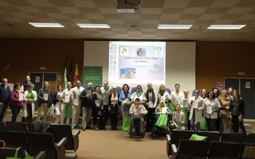 Enfermeras de centros públicos andaluces elaboran una guía de recetas adaptadas