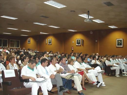 Asistentes a la reunión de trabajo para la derivación de pacientes