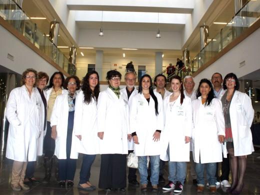 Grupo de voluntarios de la asociación Nueva Vida en el área de Consultas