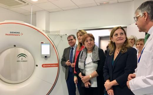 Marina Álvarez se ha reunido con profesionales del centro hospitalario