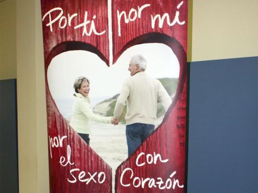 En la imagen, el cartel de la campaña 'Por ti, por mí, por el sexo con corazón'