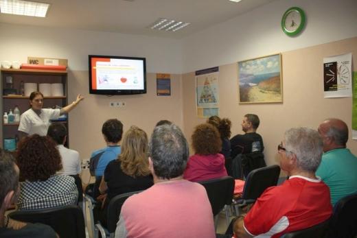 Taller de etiquetado de alimentos en el Hospital Virgen de la Victoria de Málaga
