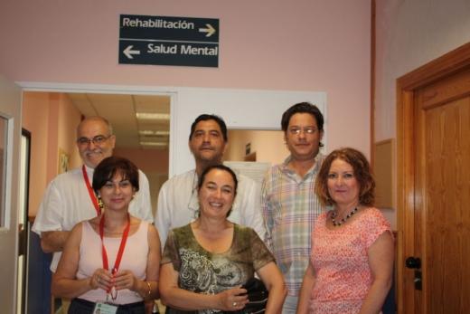 Olga Runcimán en el centro rodeada del equipo de Salud Mental Comunitaria