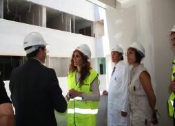 María Jesús Montero (Consejera de Salud) visita el curso de las obras