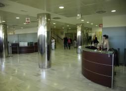 Entrada Principal del Hospital