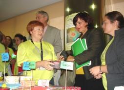 María Antigua Escalera, Delegada de Salud visita exposiciones dia Mundial